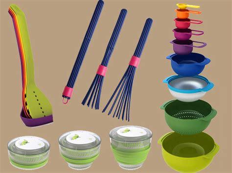 ustensile de cuisine en r 20 ustensiles pratiques pour gagner de la place en cuisine
