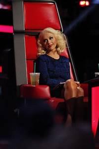 Christina Aguilera at The Voice Season 5 Live Show #8 & #9 ...