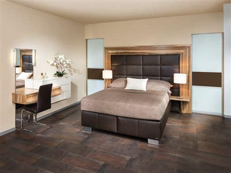 Im Schlafzimmer by Schlafzimmer P Max Ma 223 M 246 Bel Tischlerqualit 228 T Aus