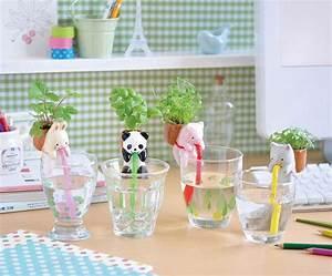 mini pots de fleurs autoarrosantes en tant quaccessoires With tapis chambre bébé avec pot de fleur grosfillex