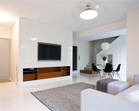 meuble pour mettre derriere canape écran plat mural une option élégante pour le salon moderne
