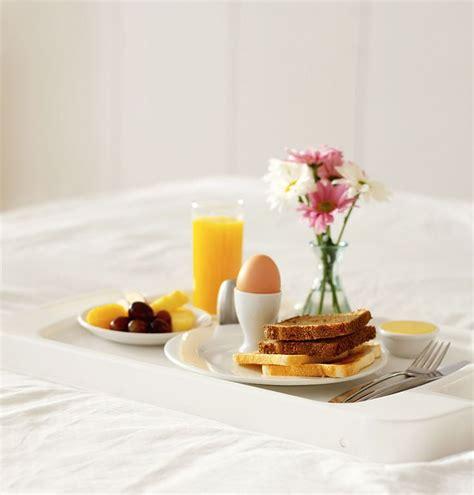 breakfast in bed ideas 15 best ideas about breakfast in bed on pinterest mothers day breakfast fried toast recipes