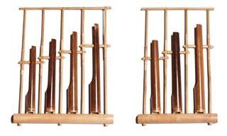 Alat musik angklung adalah salah satu dari musik yang mempunyai nada ganda yang keberadaannya sangat berkembang secara tradisional. Alat Musik Tradisional Angklung - ALbantani