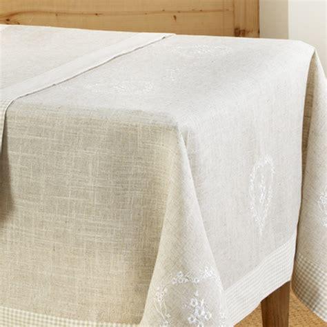 chemin de table 180 cm 8 ori nappe brodee carre 85x85 cm