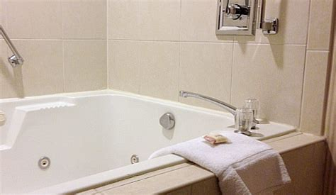 hotels with whirlpool tubs in room seattle tub suites hotels with in room whirlpool tubs