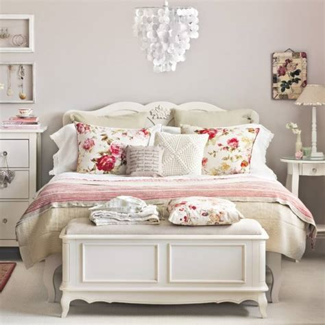 33 Best Vintage Bedroom Decor Ideas And Designs For 2018