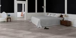sol stratifie chene vieilli gris quick step atout kro With parquet salle de bain quick step