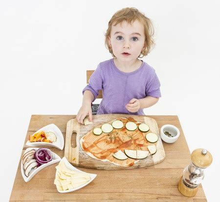 faire cuisine enfant les 233 pices et les enfants conseils et mises en garde