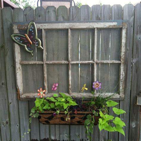 Backyard Fence Decor by Garden Fence Decor Ideas To Bring Whimsy To The Dull
