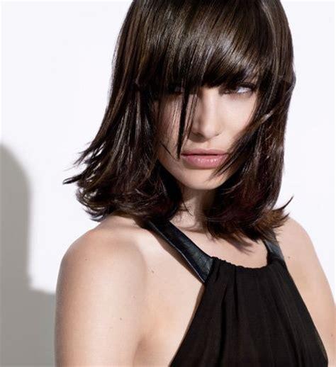 coiffure carre mi long avec frange