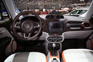 Prix Jeep : jeep renegade jeep renegade vid o de la baby jeep qui voit grand salon de gen ve 2014 ~ Gottalentnigeria.com Avis de Voitures