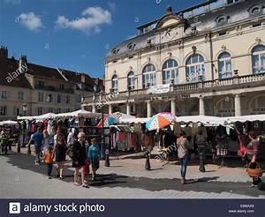 Ecla Lons Le Saunier : market in lons le saunier jura france stock photo royalty free image 72977025 alamy ~ Nature-et-papiers.com Idées de Décoration