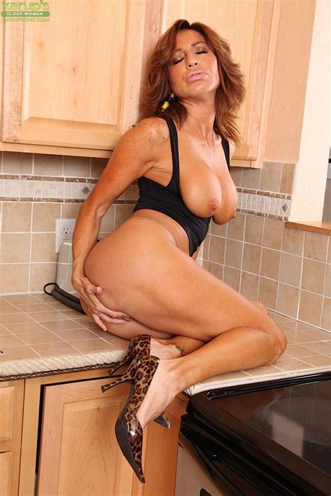 Mature Latina Pornstar Tara Holiday Baring Large Juggs In Kitchen