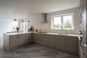 Shaker Kitchen – Shaker Stone Grey – Panorama Kitchens