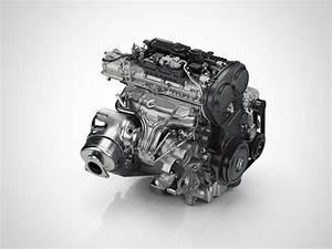 Drive-e 4 Cylinder Petrol Engine - T5 Rear