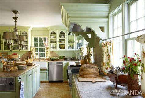 moss green kitchen cabinets charlotte moss 39 kitchen via chinoiserie chic kitchens