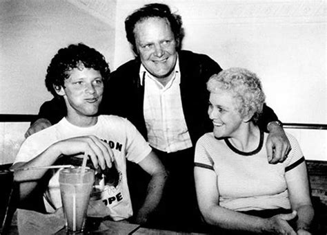 'Rolly' Fox, father of Terry Fox, dies at 80 | CTV News
