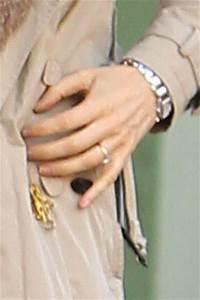rachel weisz pictures rachel weisz in new york zimbio With rachel weisz wedding ring