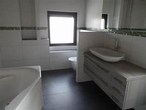 Selbstklebende Bordüre Fürs Bad : referenzen moderne badezimmer gestalten im raum main ~ Watch28wear.com Haus und Dekorationen