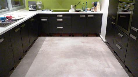 revetement de sol cuisine plongez vous dans l 39 univers du béton ciré décoratif
