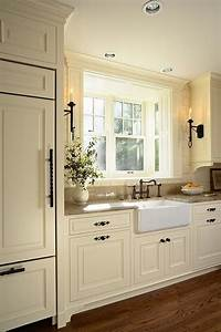 Off white kitchen What color wood floors?