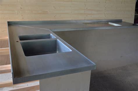 plan de cuisine en bois plan de travail de cuisine en zinc vieilli