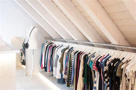 Begehbarer Kleiderschrank Mit Dachschräge by Unser Begehbarer Kleiderschrank In Der Dachschr 228 Ge Mit