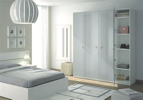 placard de chambre en bois placard rangement chambre placard ouvert chambre
