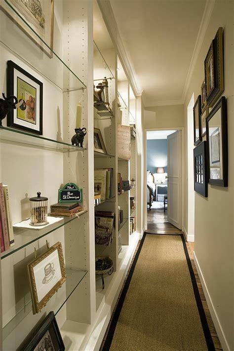 mensole per quadri 1001 idee per come arredare un corridoio stretto e lungo