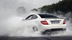 C63 AMG doing an epic burnout! Last sunday I went to the