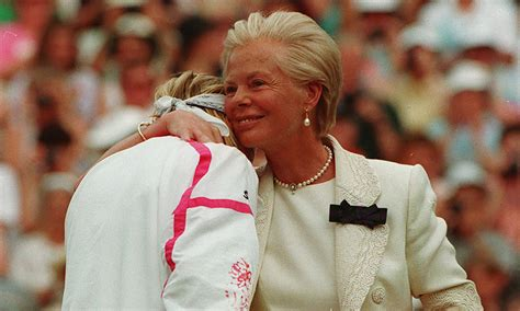 duchess  kent explains heartbreaking hug  jana novotna