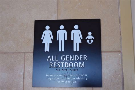 emanuel proposes transgender restroom ordinance chicago