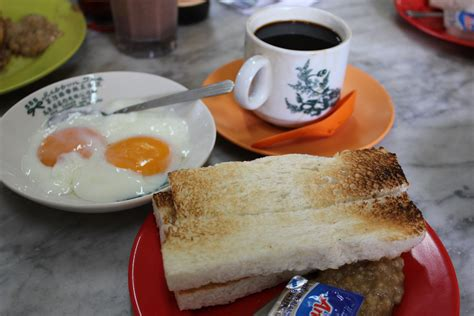 what are some of the most unhealthy things about a typical malaysian breakfast