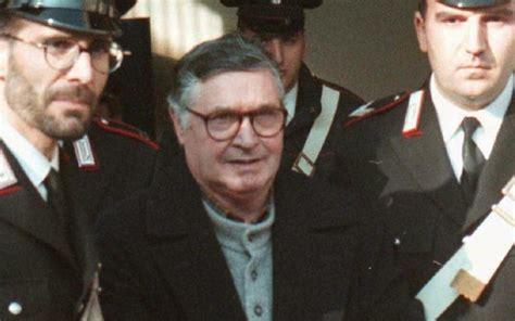death  notorious italian mafia boss  beast