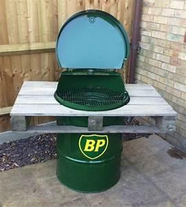 Fabriquer Un Barbecue Avec Un Bidon : 10 barbecue originali fai da te mani all 39 opera ~ Dallasstarsshop.com Idées de Décoration