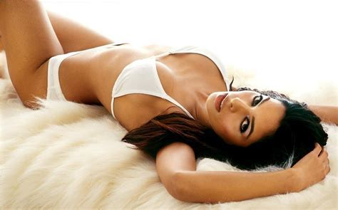 Actress Hot Photos Mallika Sherawat Hot Stills