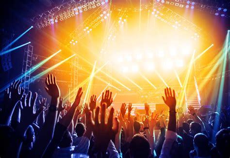 Boston Avicii Concert Ends In Over 80 Needing Medical