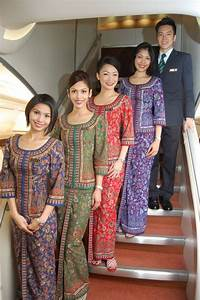 THE ICONIC SINGAPORE AIRLINES UNIFORMS | FLIGHT ATTENDANT ...
