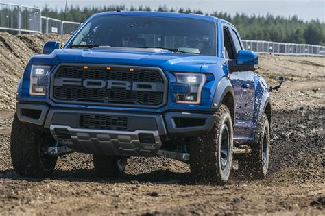 ford up raptor ford f 150 raptor prova su strada born to be test