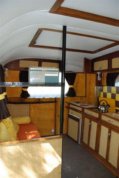 caravane chambre caravane chambre il est drolement gros le colis pour une