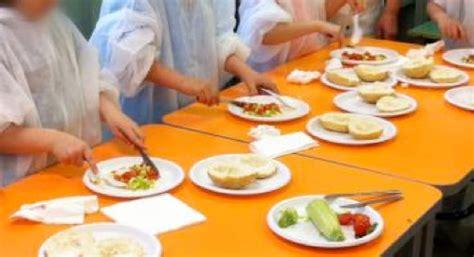 bicchieri per ristorazione piatti e bicchieri in bioplastica nelle scuole milanesi