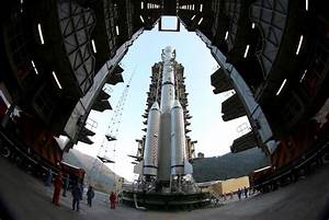 China aims for manned moon landing by 2036 | Reuters