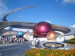 File:WDW EPCOT Mission Space.JPG - Wikimedia Commons