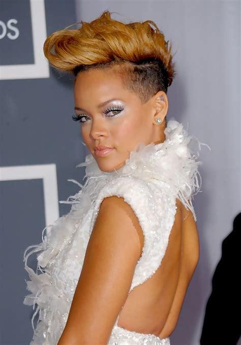 popular short hairstyles  women  pretty designs