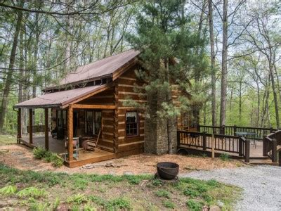 brown county cabin rentals chimney log cabin in brown county indiana vacation rental