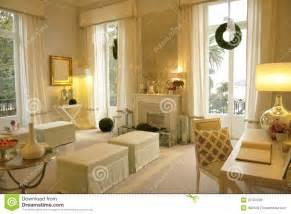 gemütliches wohnzimmer gemütliches wohnzimmer lizenzfreie stockfotos bild 25783348