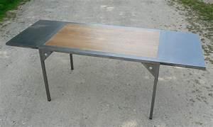 Table à Manger Industrielle Acier Et Bois : table a rallonges design loft metal et bois ~ Teatrodelosmanantiales.com Idées de Décoration