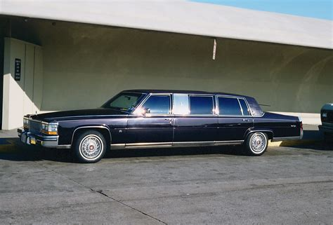 Limousine Airport by File Limousine At Jfk Airport Ny Jpg Wikimedia Commons