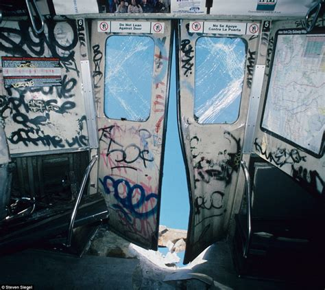 a ride through 1980s new york amazing photographs of the new york city subway as it was 30