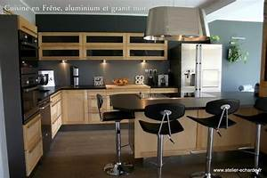 Deco cuisine noir et bois for Idee deco cuisine avec cuisine bois et noir